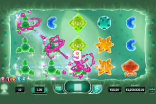 Cyrus The Virus Mobile Slot Reels