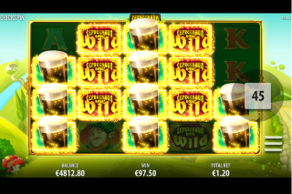 Leprechaun Hills Mobile Slot Stacked Symbols